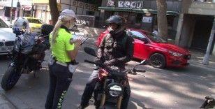 Bostancı'da motosiklet sürücüleri denetlendi
