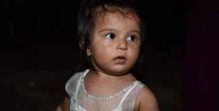 Babasının yanından bir anda kaybolan 2 yaşındaki Ecrin, derede aranıyor