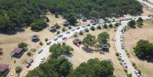 Sıcaktan bunalan Manisa ve İzmirliler Spil'e akın etti