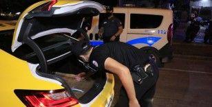 Adana'da bin 300 polisle Huzurlu Sokaklar uygulaması
