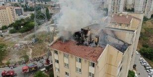 Başakşehir'de korkutan yangın havadan görüntülendi