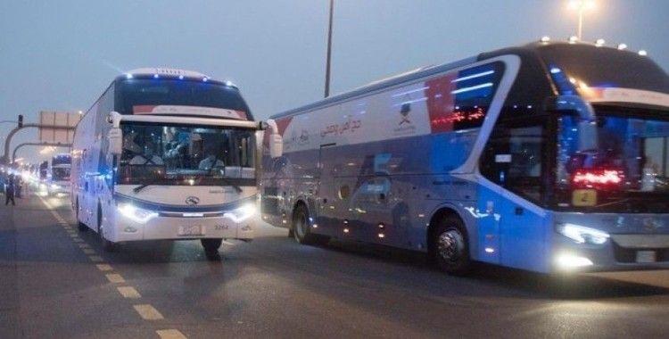 Hacı adayları Müzdelife'ye geçti