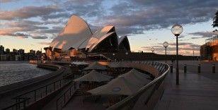 Avustralya'da Kovid-19 karantina kurallarıyla alay eden köşe yazarı Katie Hopkins sınır dışı edildi