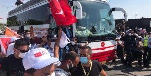 Cumhurbaşkanı Erdoğan'a KKTC'de sevgi seli