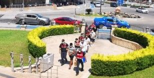 Yunanistan'a kaçmaya çalışırken yakalanan iki FETÖ üyesi tutuklandı
