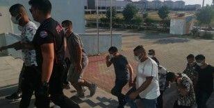 Polis silahlı saldırıyı önledi: 12 gözaltı