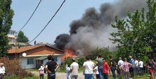 Sultanbeyli'de bayram günü çıkan yangın mahalleliyi sokağa döktü