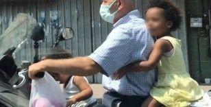 Beyoğlu'nda iki çocukla tehlikeli motor yolculuğu