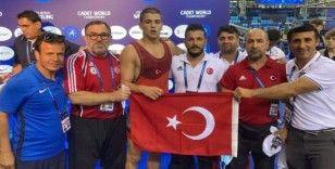 Rıfat Eren Gıdak güreşte dünya şampiyonu oldu