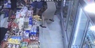 Taksim'de kadını taciz eden şahsa dayak kamerada