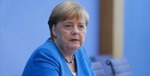 Merkel gazetecilere veda etti