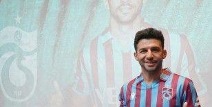 Trabzonspor İsmail Köybaşı için imza töreni düzenledi