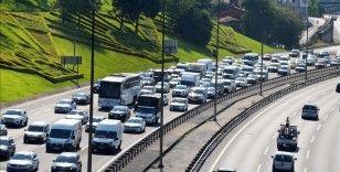 İstanbul'da bayram tatilinin sona ermesiyle trafikte yoğunluk arttı