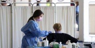 İngiltere, Kovid-19 aşısının iki dozunu yaptıran AB ve ABD vatandaşlarına karantinayı kaldırıyor