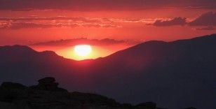 Nemrut Dağı Samanyolu ile birlikte görüntülendi