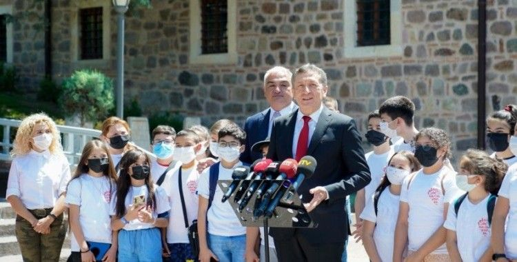 """Milli Eğitim Bakanı Selçuk: """"6 Eylül'de okulların açılması noktasında çok kararlıyız"""""""