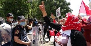 """Vanlı anne: """"10 yıldır HDP ve PKK ile savaşan bir anneyim"""""""
