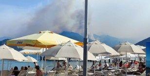 Marmaris'in merkezinde Turunç bölgesindeki yangın böyle görüntülendi