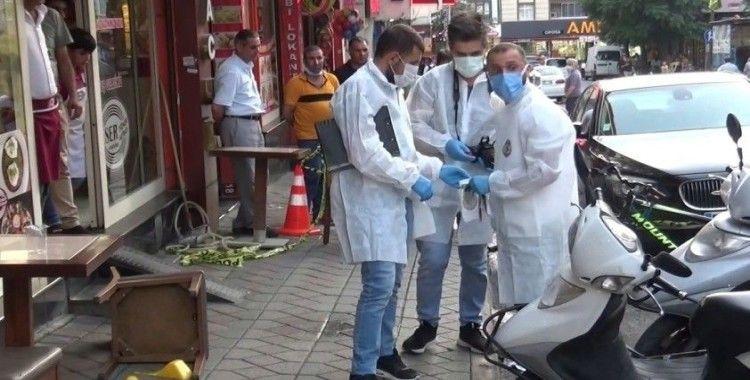 Sultangazi'de emlak dükkanına silahlı saldırı: 1 yaralı