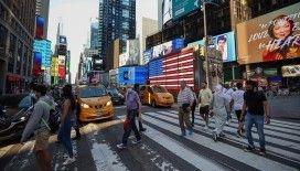 ABD'de son 24 saatte 322 kişi Kovid-19 nedeniyle hayatını kaybetti