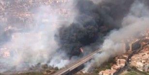 İtalya'nın Sicilya Adası, yangınlarla savaşıyor