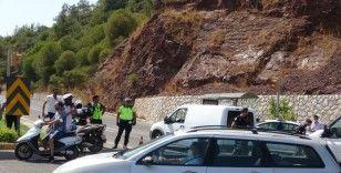 Yangın nedeni ile Marmaris Datça karayolu trafiğe kapandı