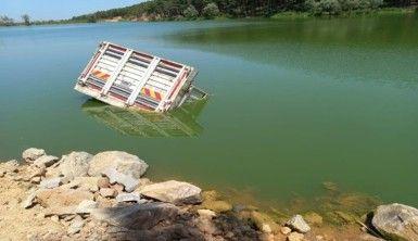 Sancaktepe'de gölete uçan kamyondan son anda atlayarak kurtuldu