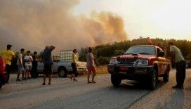 Rodos Adası orman yangını nedeniyle elektriksiz ve susuz kaldı