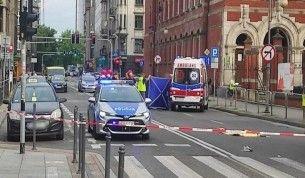 Polonya'da otobüs şoförü kavga eden gençleri ezdi