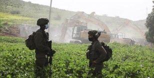 İsrail güçleri, Batı Şeria'da yapım aşamasındaki 3 evi yıktı