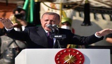 Cumhurbaşkanı Erdoğan Ahlat'ta konuştu: Bu şehir doğu ve batı medeniyetleri arasında köprü olmuştur