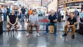 Manga Grubu'ndan İstanbul Havalimanı'nda sürpriz konser