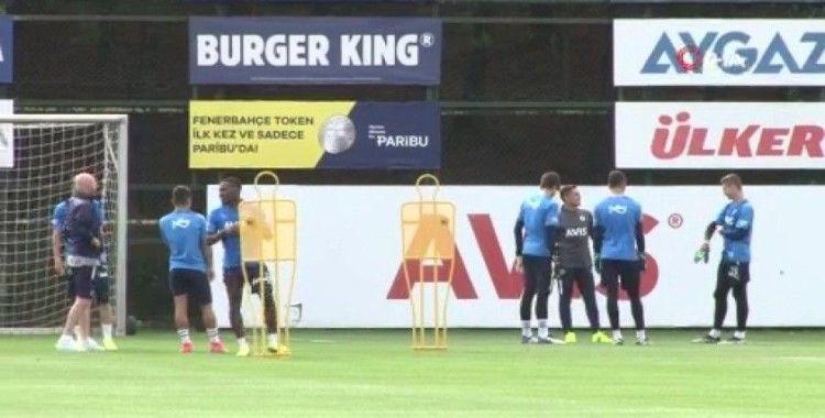 Fenerbahçe'nin yeni transferleri antrenmanda