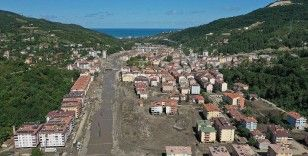 Bozkurt'ta ekipler 25 gündür selin izini silmeye çalışıyor