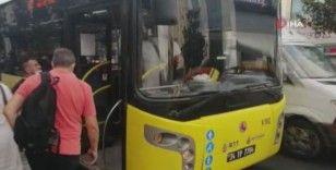 """Otobüste """"fazla yolcu aldın ilerle"""" kavgası"""