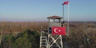 Türkiye'den yasa dışı yollarla Yunanistan'a geçmeye çalışan 2 terör örgütü mensubu yakalandı
