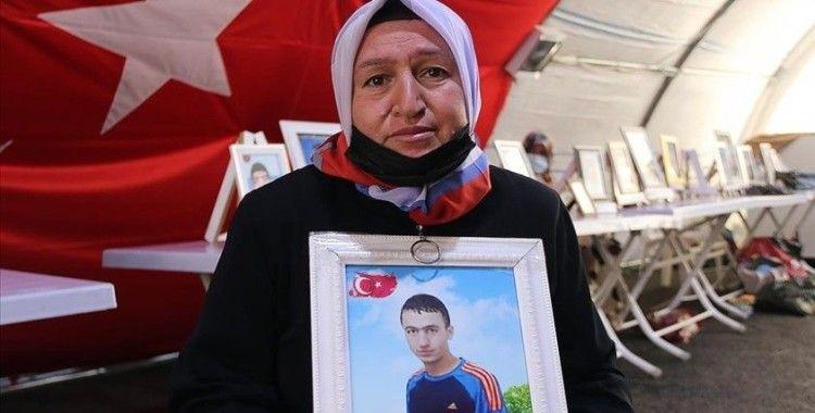 Diyarbakır annesi Üçdağ: HDP ve PKK'yı kınıyoruz. Çünkü evlatlarımızı, ciğerimizi bizden koparıp, götürdüler