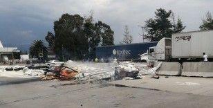 Meksika'da freni patlayan tır otoyol gişelerine çarptı: 3 ölü, 7 yaralı