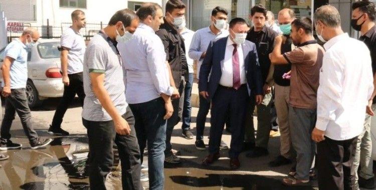 Başkan Beyoğlu cuma namazından sonra vatandaşlarla sorunları konuştu
