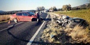 Akhisar-Sındırgı yolunda kazada 1 kişi öldü, 6 kişi yaralandı