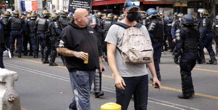 Fransa'da aşı karşıtları bir kez daha sokaklarda