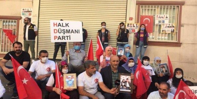 Ergenekon Ocakları Genel Başkanı Yıldız eylemin 741. gününde annelere destek verdi