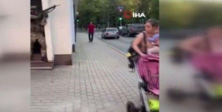 Letonya'da sokak ortasındaki askeri tatbikat tepki çekti