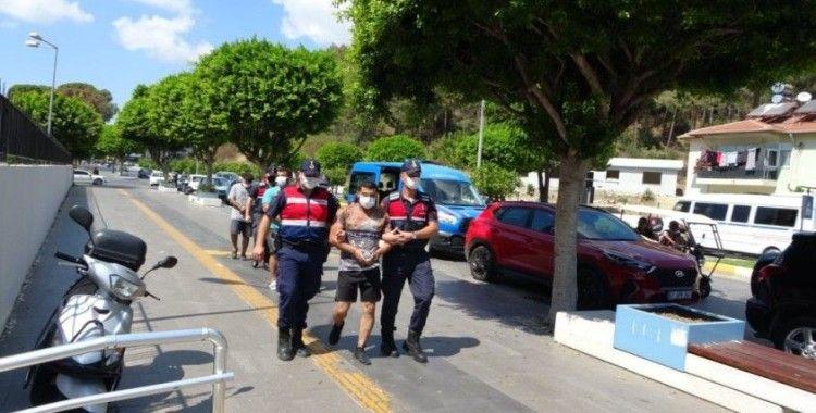 İran uyruklu göçmenleri tekne ile kaçırmaya çalışan 4 şüpheli adliyede