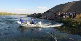 Muş'ta nehre giren genç boğuldu