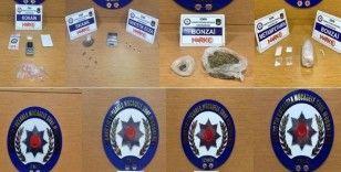 İzmir polisi zehir tacirlerine göz açtırmıyor: 10 tutuklama