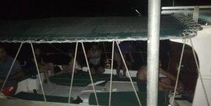 Manavgat'ta bir teknede İran uyruklu 13 düzensiz göçmen yakalandı