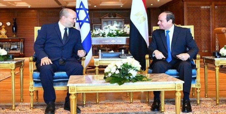 İsrail'den Mısır'a 10 yıl sonra başbakan düzeyinde ilk ziyaret