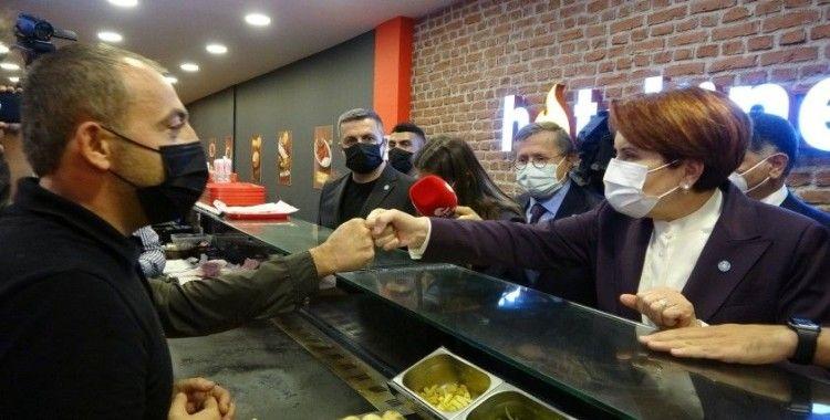 İYİ Parti Genel Başkanı Akşener, Ardahan'da esnafı ziyaret etti