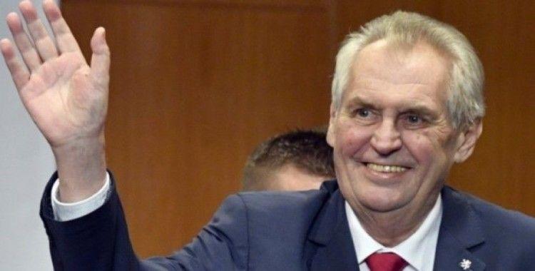 Çekya Cumhurbaşkanı Zeman rutin kontroller için hastaneye kaldırıldı